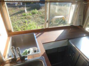 キッチンカーの内装